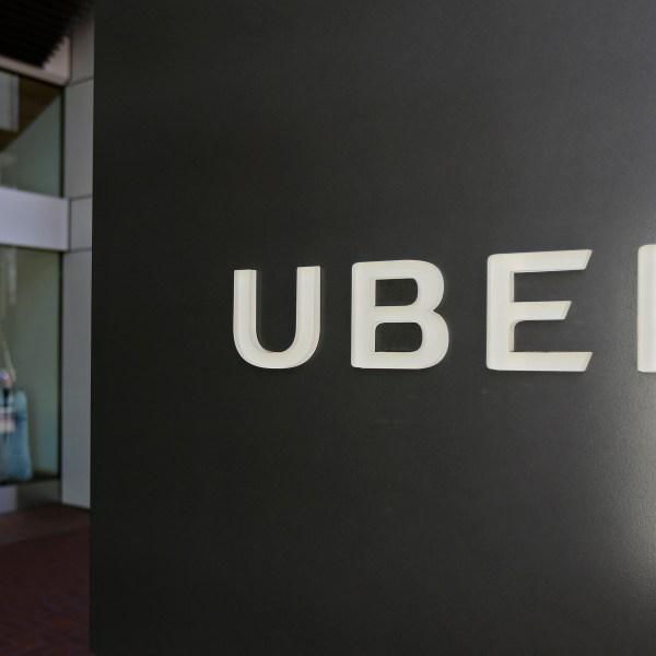 Toyota_Uber_40050-159532.jpg55218693