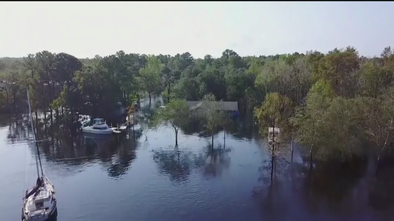 Floodwaters_Still_Rising_After_Florence__0_20180923150116