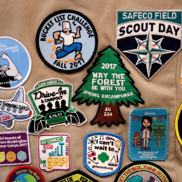 Girl_Scouts_vs_Boy_Scouts_47553-159532.jpg26175420
