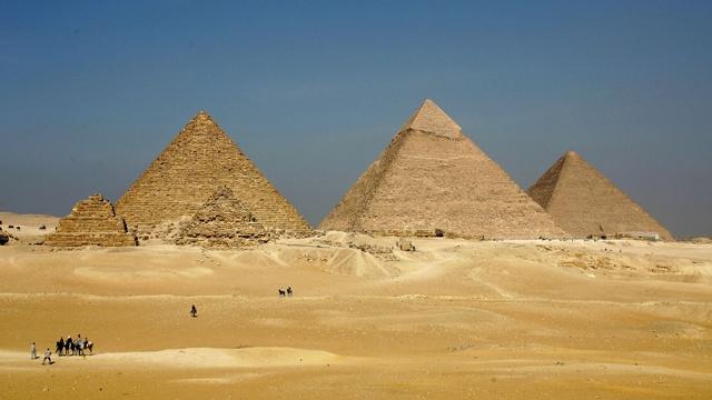 Great Pyramids at Giza_3831828870609560-159532