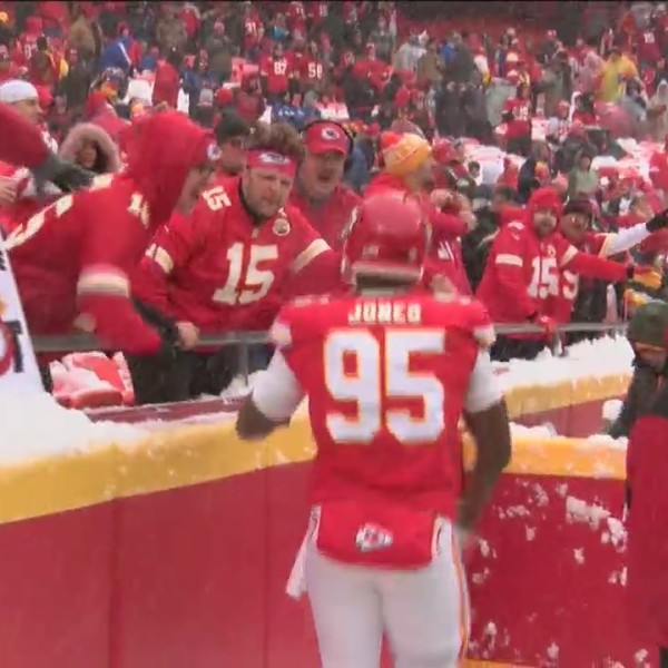 Chiefs_advance_to_AFC_title_game_0_20190115002916