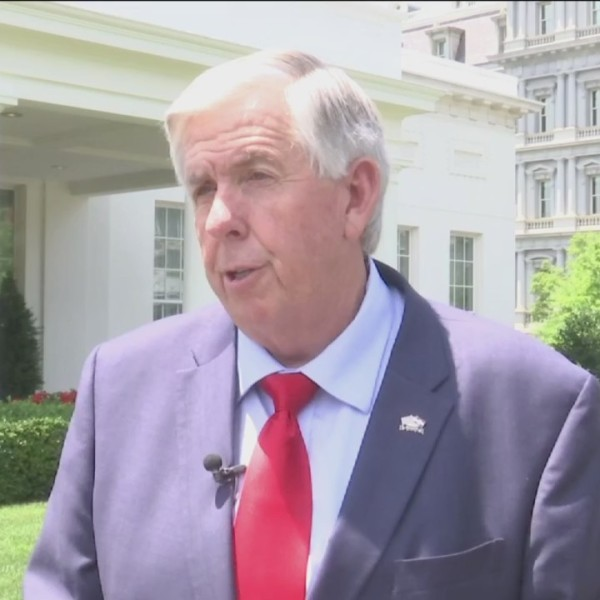 Missouri_Governor_Mike_Parson_Meets_with_0_20180621225714