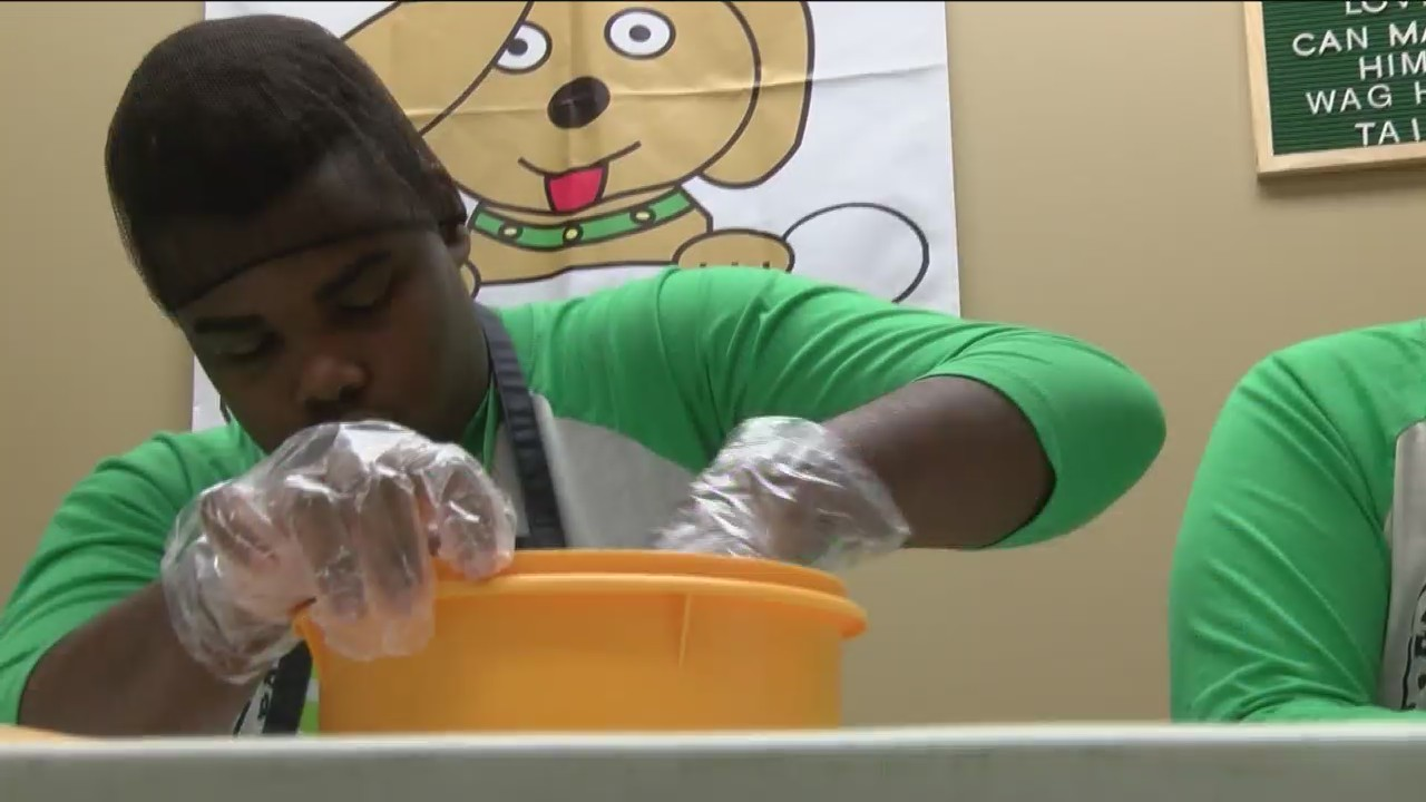 Parkview 'Bark'ery Teaches Special Education Students Business Skills