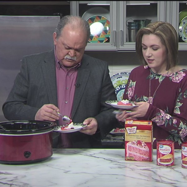 Strawberry Dump Cake - Crock-Pot Craze - 2/14/19