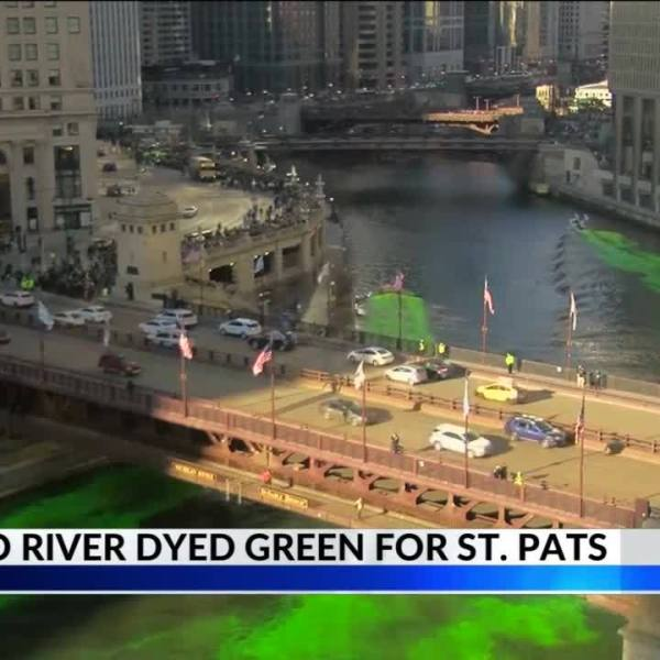 Chicago_River_Runs_Green_For_St__Patrick_5_20190317023007