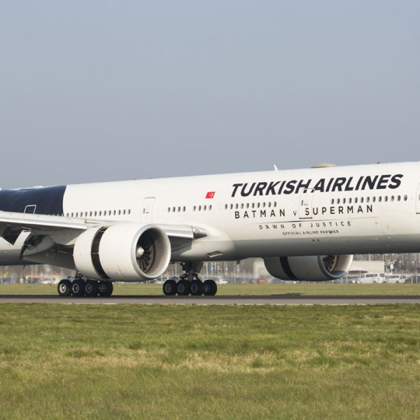Turkish Airlines jet taking off in 201666542594-159532