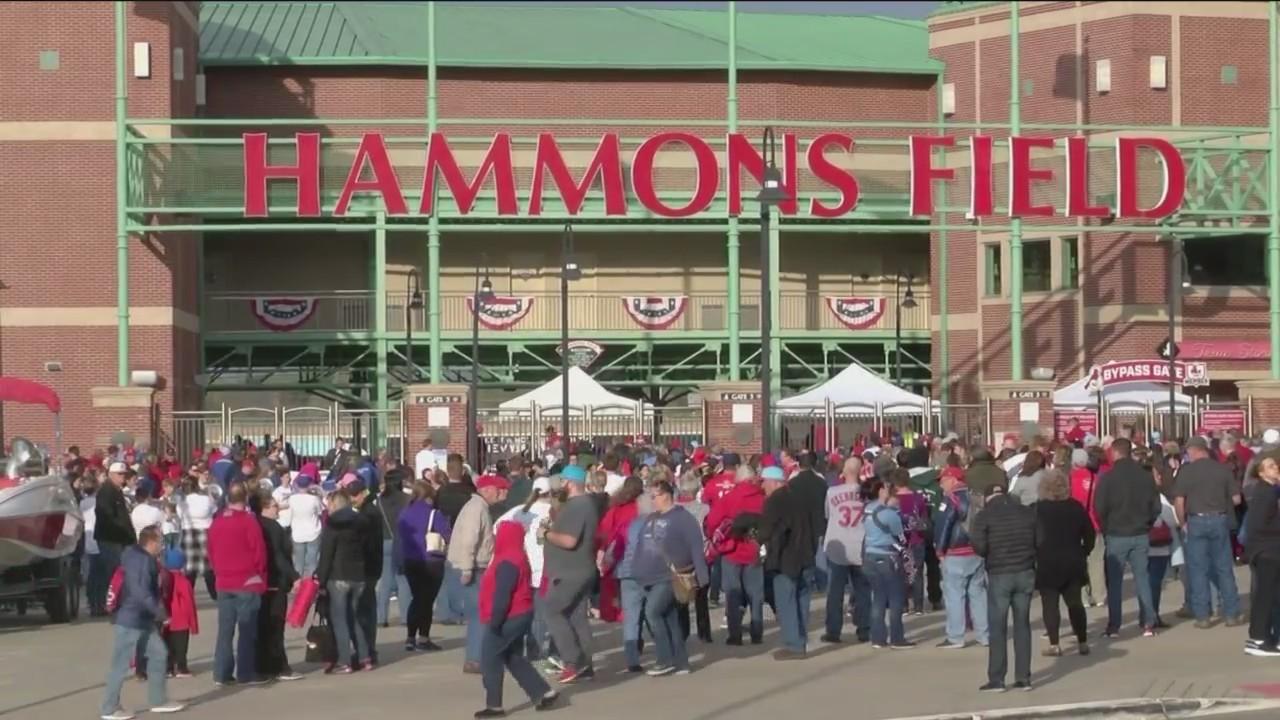 Fans avoid parking rate hike near Hammons Field
