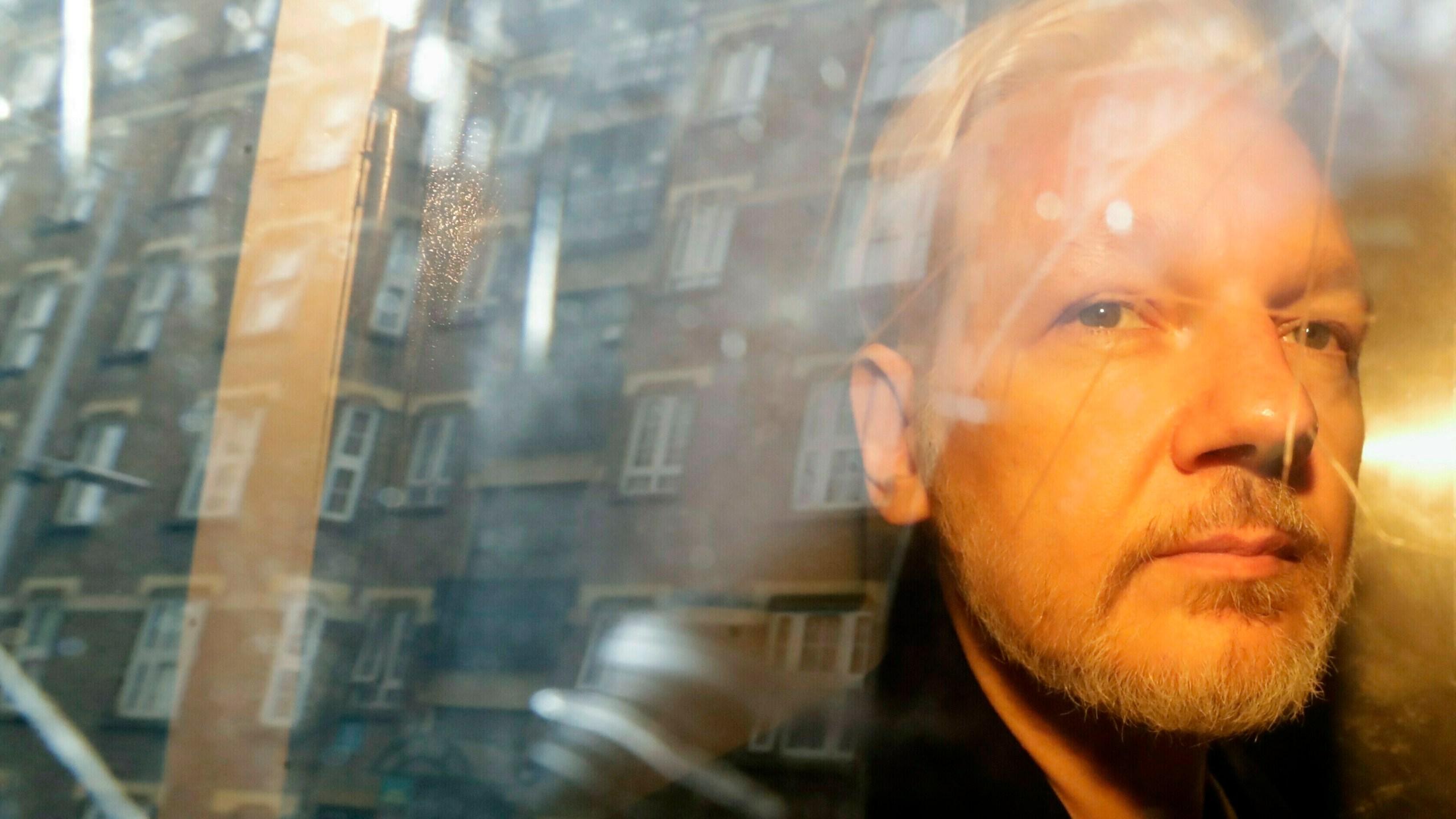 Britain_Sweden_Assange_72787-159532.jpg78256137
