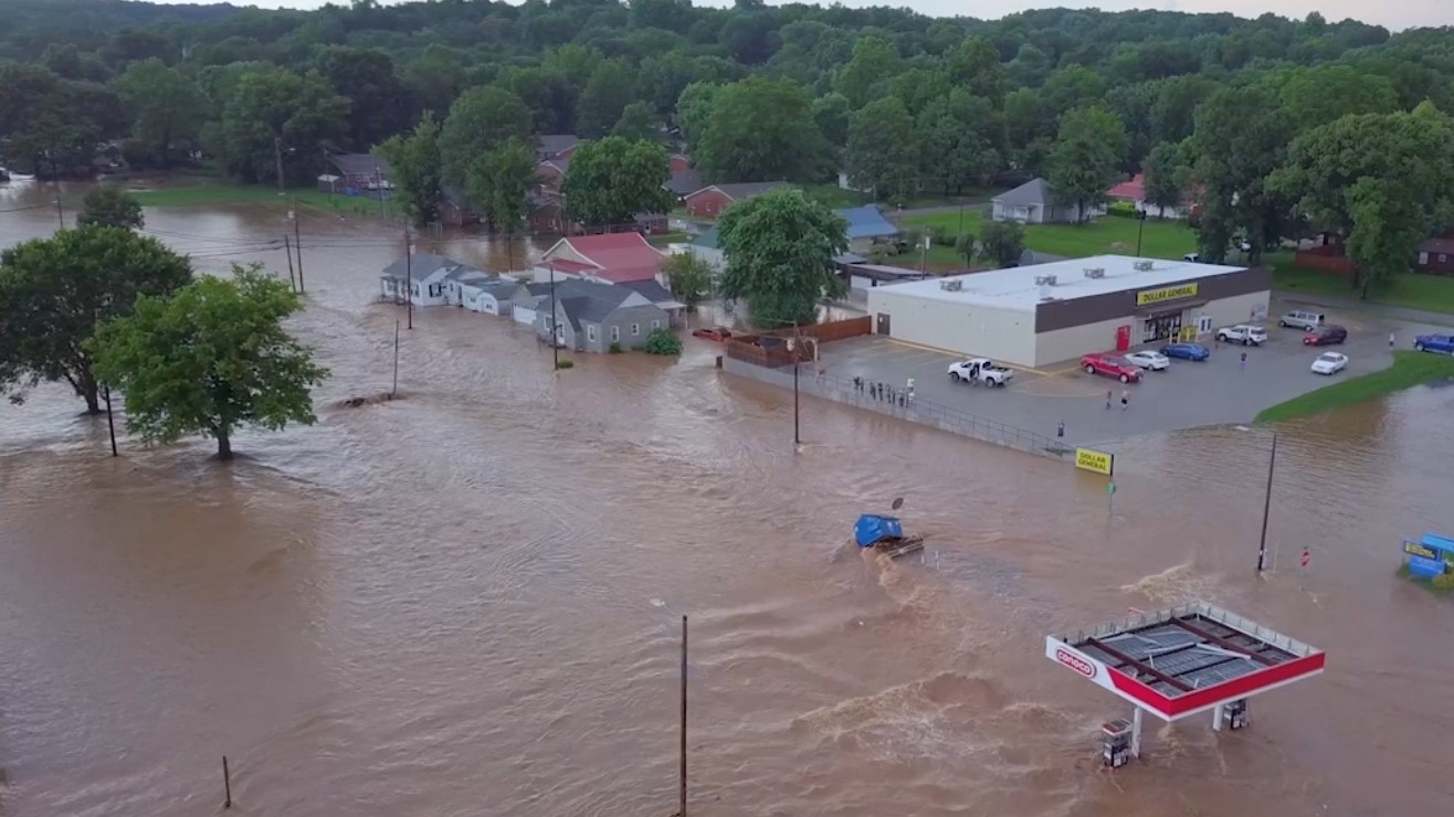 WATCH: Video shows the force of flooding in Cassville | KOLR