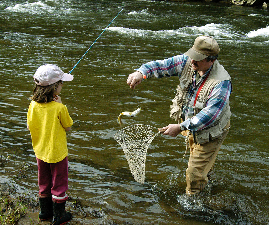 Arkansas Waives Fishing License Requirements During Extended