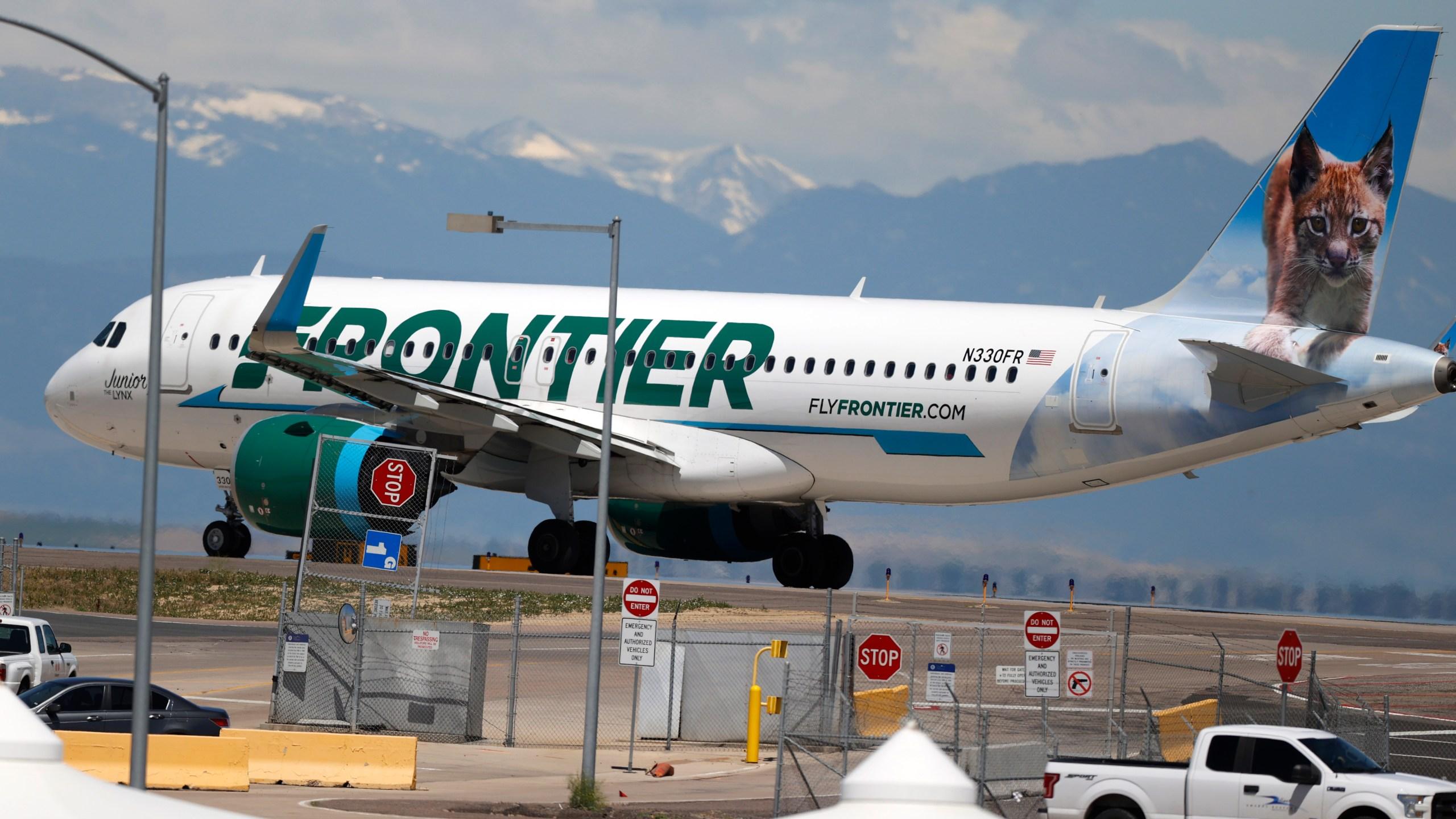 frontier airlines, denver international airport, r m